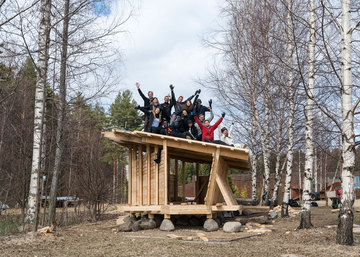 Lastu – international group of architecture students build a wooden shelter in Finnish wilderness in a week